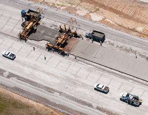 Missouri DOT is testing pollution-fighting pavement technology on a 2,000-foot stretch of concrete roadway. Photo: MoDOT