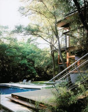 Tom Hurt picked Ipé for the deck of this Austin, Texas, project to counter the effects of the unforgiving Southwest sun. The tropical species is extremely tough and looks better for longer, the architect says.