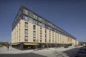 University of Wisconsin-Milwaukee | Cambridge Commons