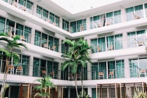Short-Term Rentals: Navigating the New Economic Marketplace
