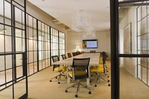 Modern, Airy Meeting Room