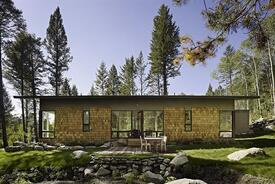 Fish Creek Compound Guest House-Living in Nature