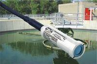Non-fouling submersible hydrostatic level transducer
