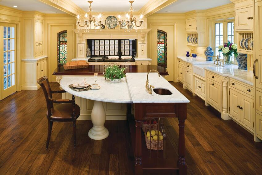 Antique Sensibility: Kitchen Design Incorporates Owner's Antiques
