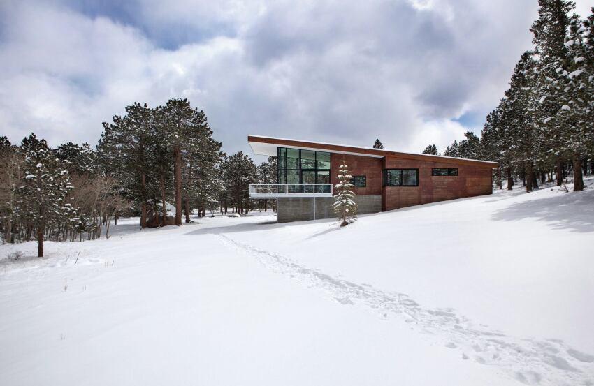 Mountain Retreat Elevates Zero Energy Design to New Heights