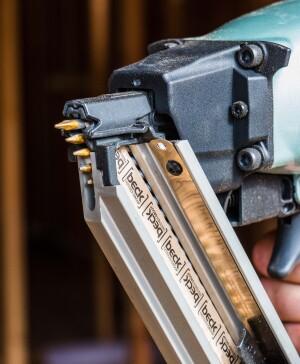 Hitachi NR83AK Strap-tite framing hardware nailer