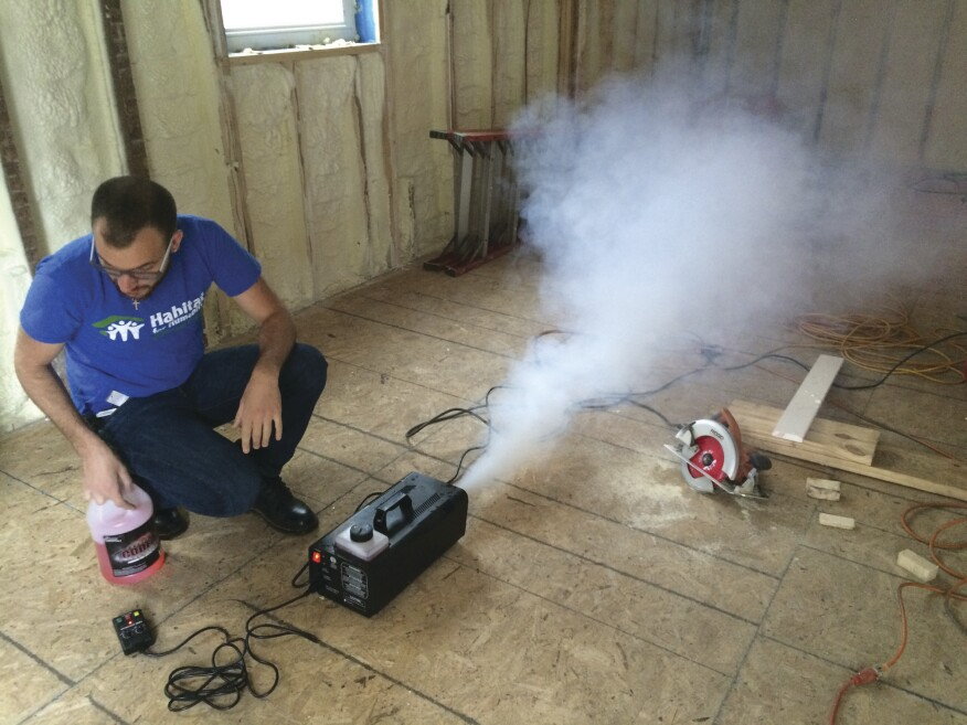 A fog machine helped to identify remaining air leaks for point-sealing with one-part gun foam.