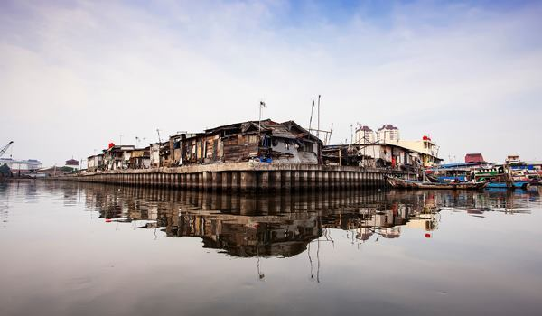 """""""Side of Sunda Kelapa."""" Ujung Genteng, Indonesia. 2014 Sony World Photography Awards Youth Competition shortlist in the Environment category."""