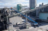 TELESCOPIC BOOMS OFFERS HEAVY LIFTING