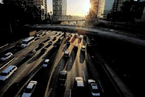 LOS ANGELES, CALIF. - DEC. 20, 2013. Traffic jams the Harbor Freeway as commuters make their weekend and Christmas holiday getaways on Friday afternoon, Dec. 20, 2013.  (Luis Sinco/Los Angeles Times)