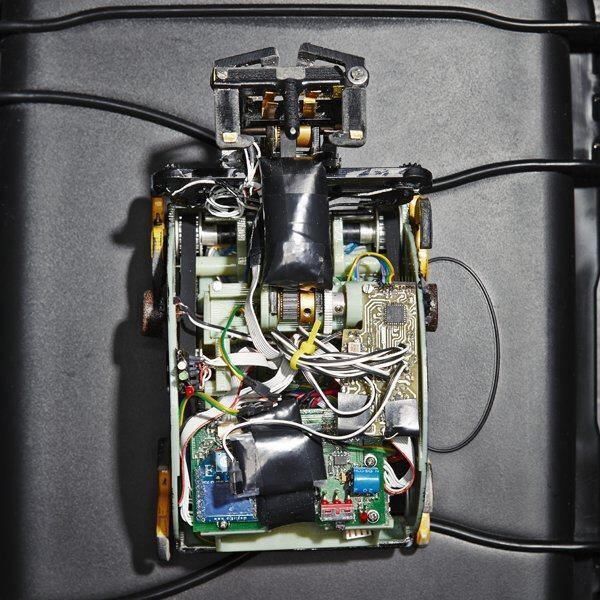 Inside a Termes robot from Harvard University's Self-Organizing Systems Research Group.