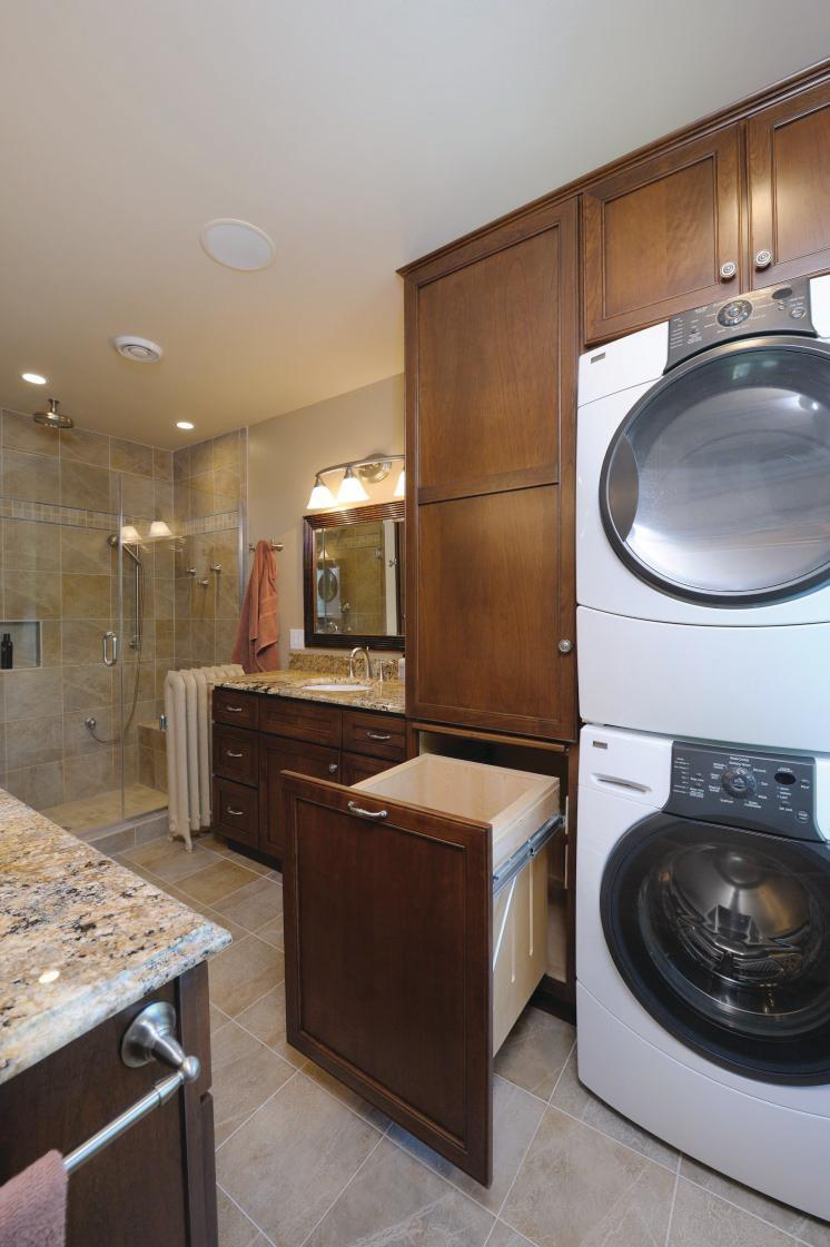 Master bath 39 s smart use of space remodeling bath for Masters laundry