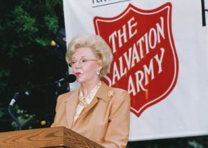 Joan Kroc unveils the nation's first Salvation Army Ray and Joan Kroc Corps Community Center in San Diego in 2002.