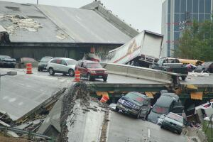 The I-35W bridge collapse in Minneapolis, 2007