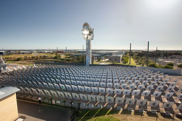 A CSIRO solar tower in operation.