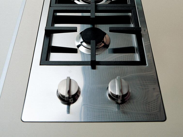 Binova's Fires Line Cooktop Brings Versatility to Kitchen Design