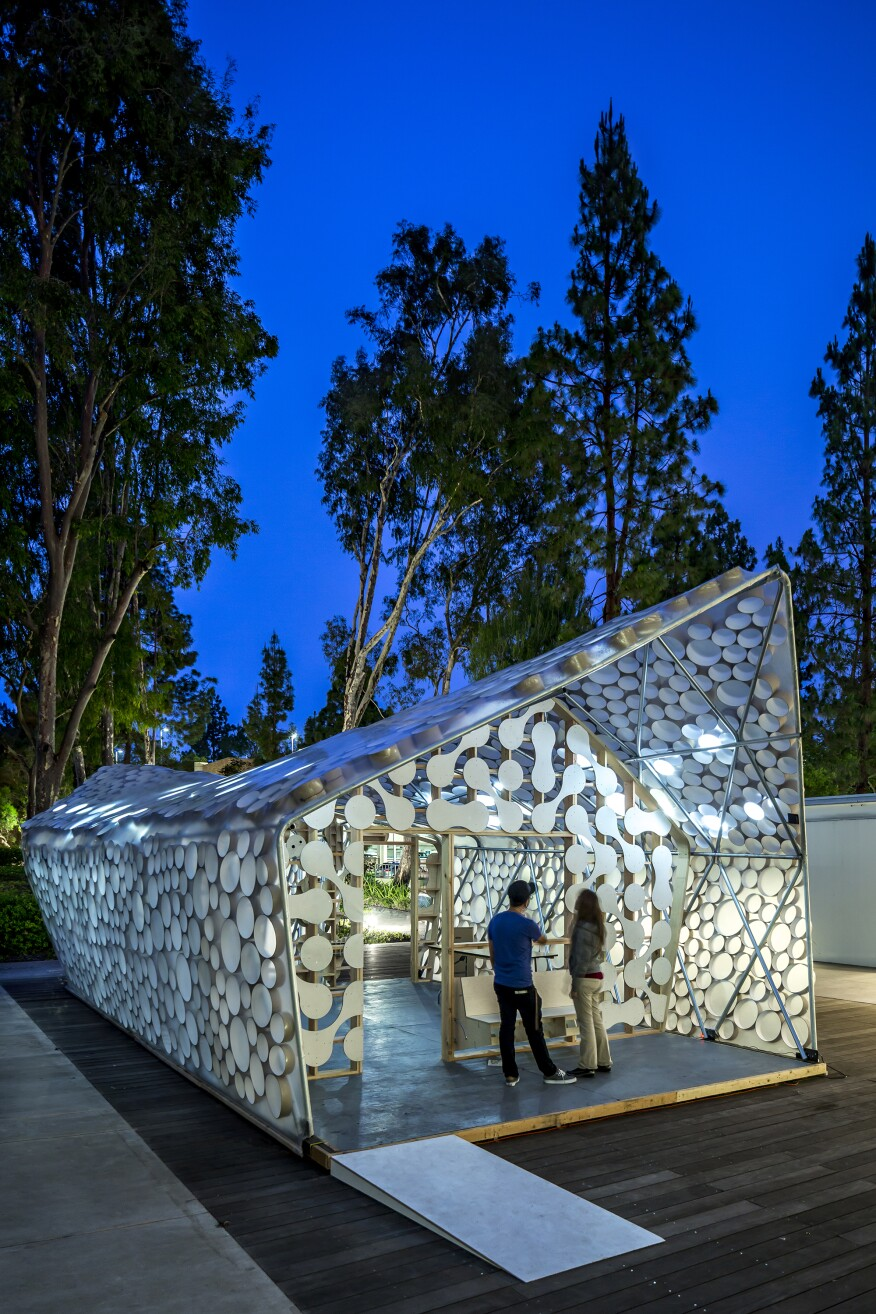 The BI(h)OME was designed by Kevin Daly Architects in conjunction with UCLA architecture students in cityLAB