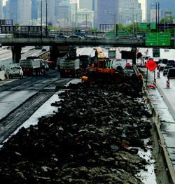 The northern end of the $975 million Dan Ryan project, shown here at the beginning of express lane reconstruction last year, is only about a mile south of Chicago's Loop.