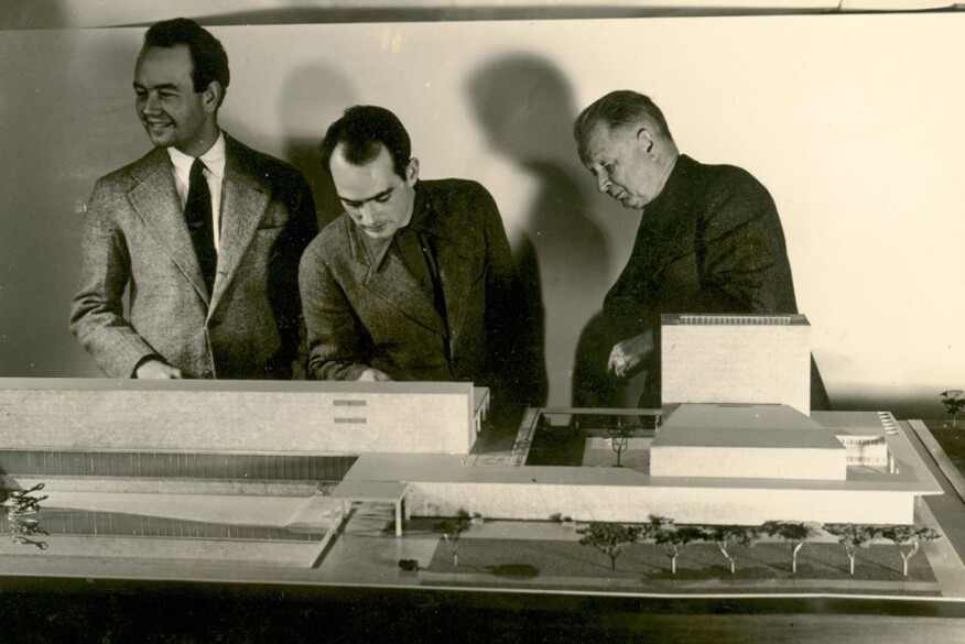 Ben Baldwin, Harry Bertoia, and Eliel Saarinen scrutinize a never-built model c. 1939 for the Smithsonian Gallery of Art.