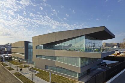 Carlos Rosario International PCS - Sonia Gutierrez Campus