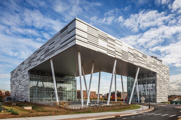 The new business school serves as a gateway to the Rutgers campus, part of a master plan also designed by TEN Arquitectos.