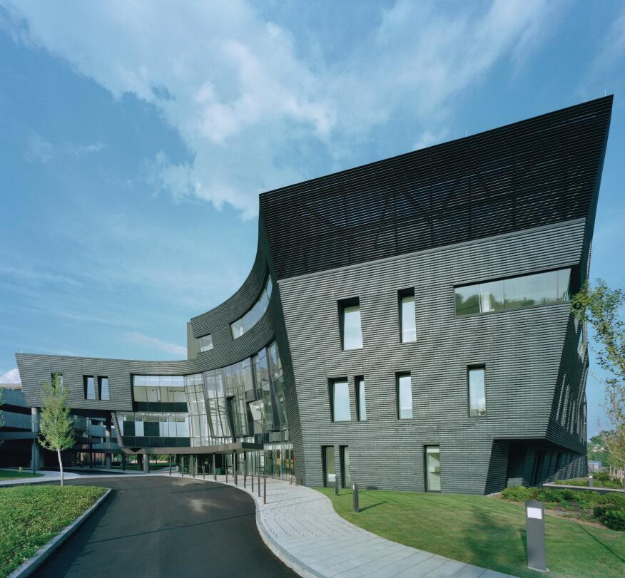 The Yale Health Center is clad in courses of dark gray brick from Endicott Clay Products, a long-time collaborator on Scogin and Elam's projects.