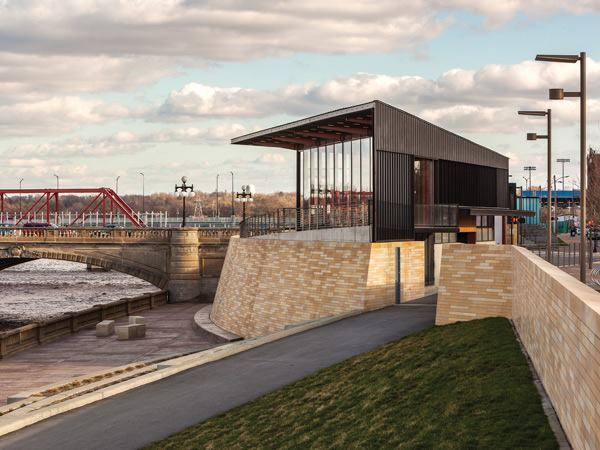 Principal riverwalk hub spot des moines iowa for Residential architect design awards