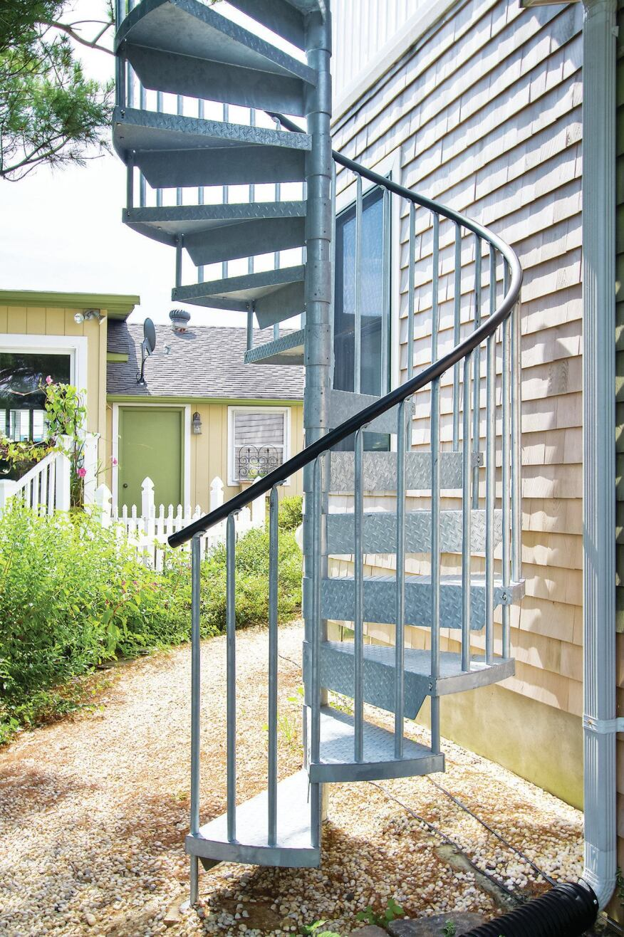 Spiral stairs professional deck builder staircases for 8 foot spiral staircase
