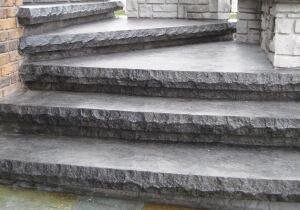 These stairs were created with a formlinera user-friendly, innovative way to create natural-looking decorative concrete stairs.