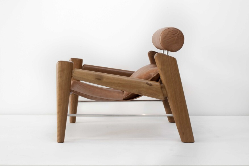 Serfa catuaba wood and leather armchair (2015), designed by Zanini de Zanine