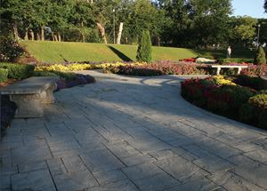The Sunken Gardens project was the winner of the 2002 Environmental Improvement Grand Award presented by Associated Landscape Contractors of America (ALCA) and the Professional Lawn Care Association of America.