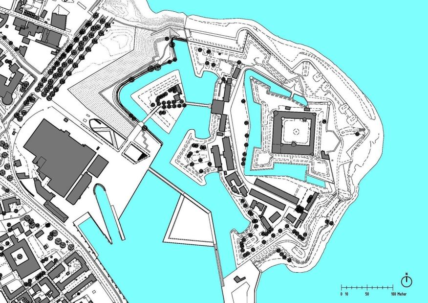 Site plan showing proximity to Kronborg Castle (at right).