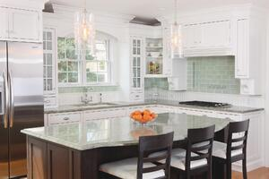 Simply Smart: Some Deft Design Moves Completely Transform a Cluttered Kitchen
