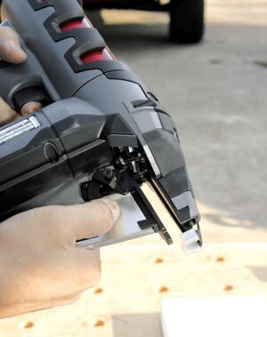 The magazine can be removed with the flip of a lever, making it easy to clear jammed fasteners.