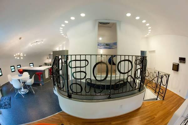 Spaceship-Shaped House Available on Tennessee's Signal ...