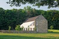 A Barnyard Retreat With Eco-Smarts