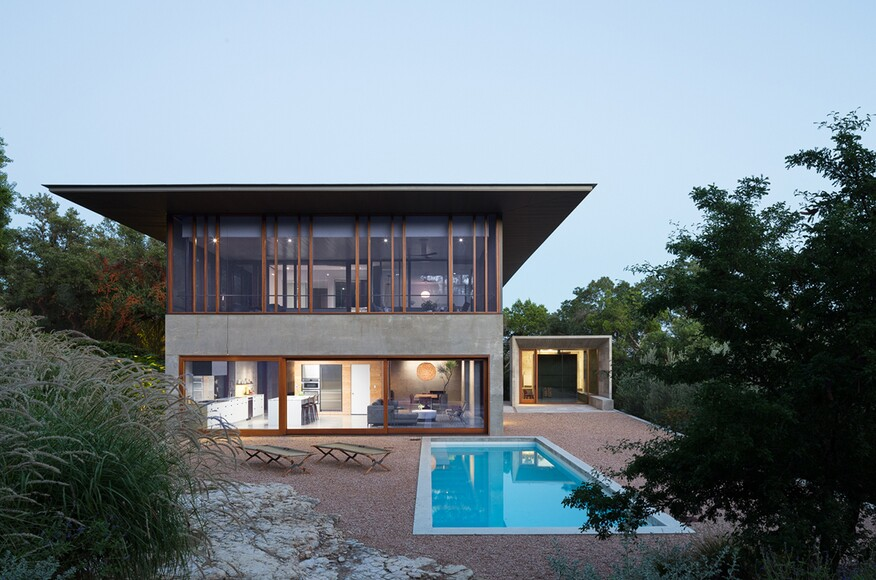 Balcones House. Mell Lawrence Architects