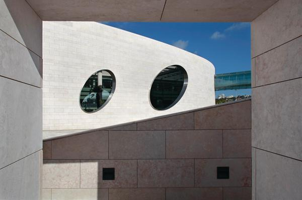 The Champalimaud Centre for the Unknown, designed by Mumbai-based Charles Correa Associates, is a facility for neuroscience and cancer research in Lisbon, Portugal.