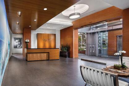 20 Corporate Plaza