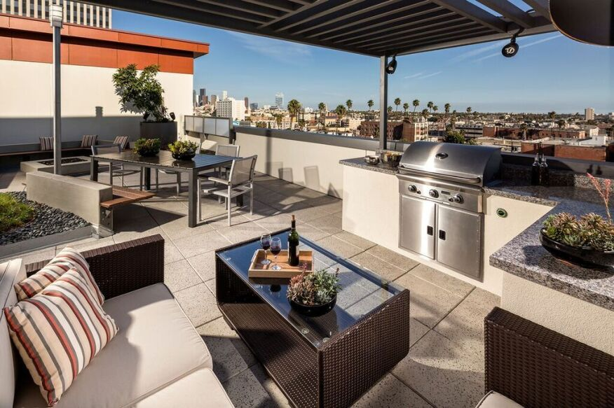 rooftop lounge, grill, amenities