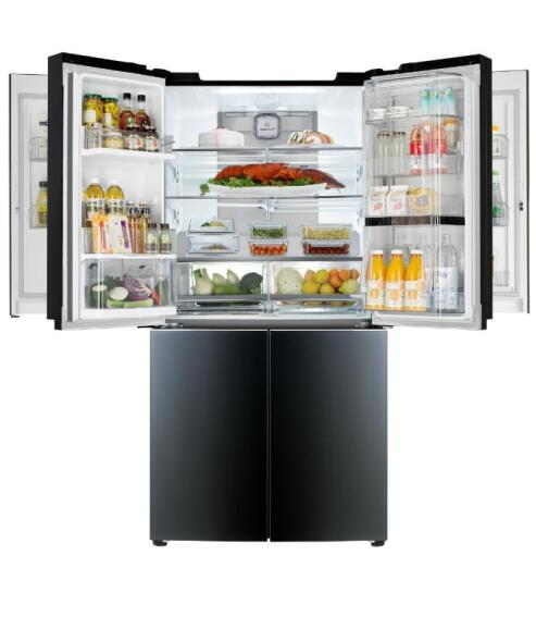 New Four-Door Fridge Opens Up Storage Options