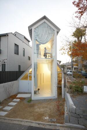 O House by Hideyuki Nakayama (2009)