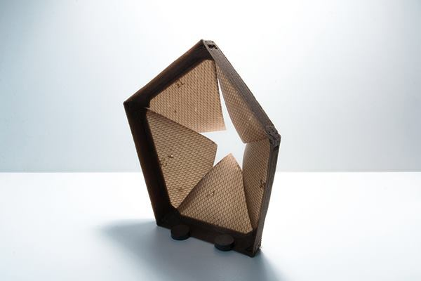 An aperture composed of 3D-printed, humidity-responsive surfaces.
