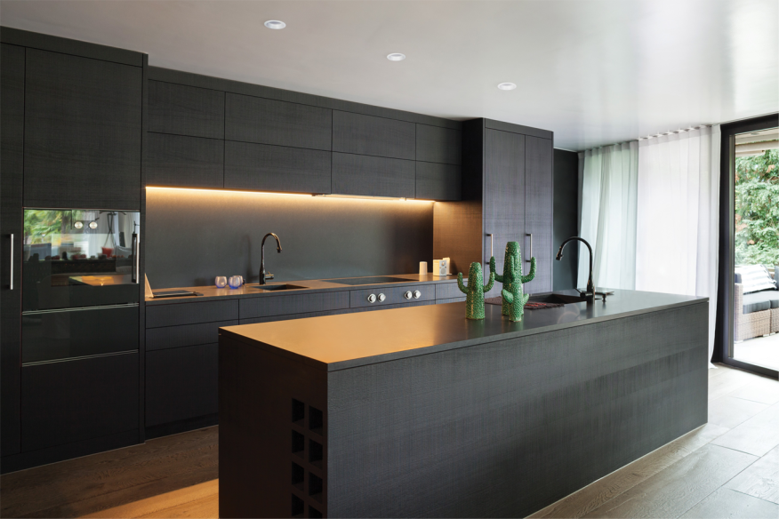 Recessed led lights take off in kitchen projects builder for Panel frontal cocina