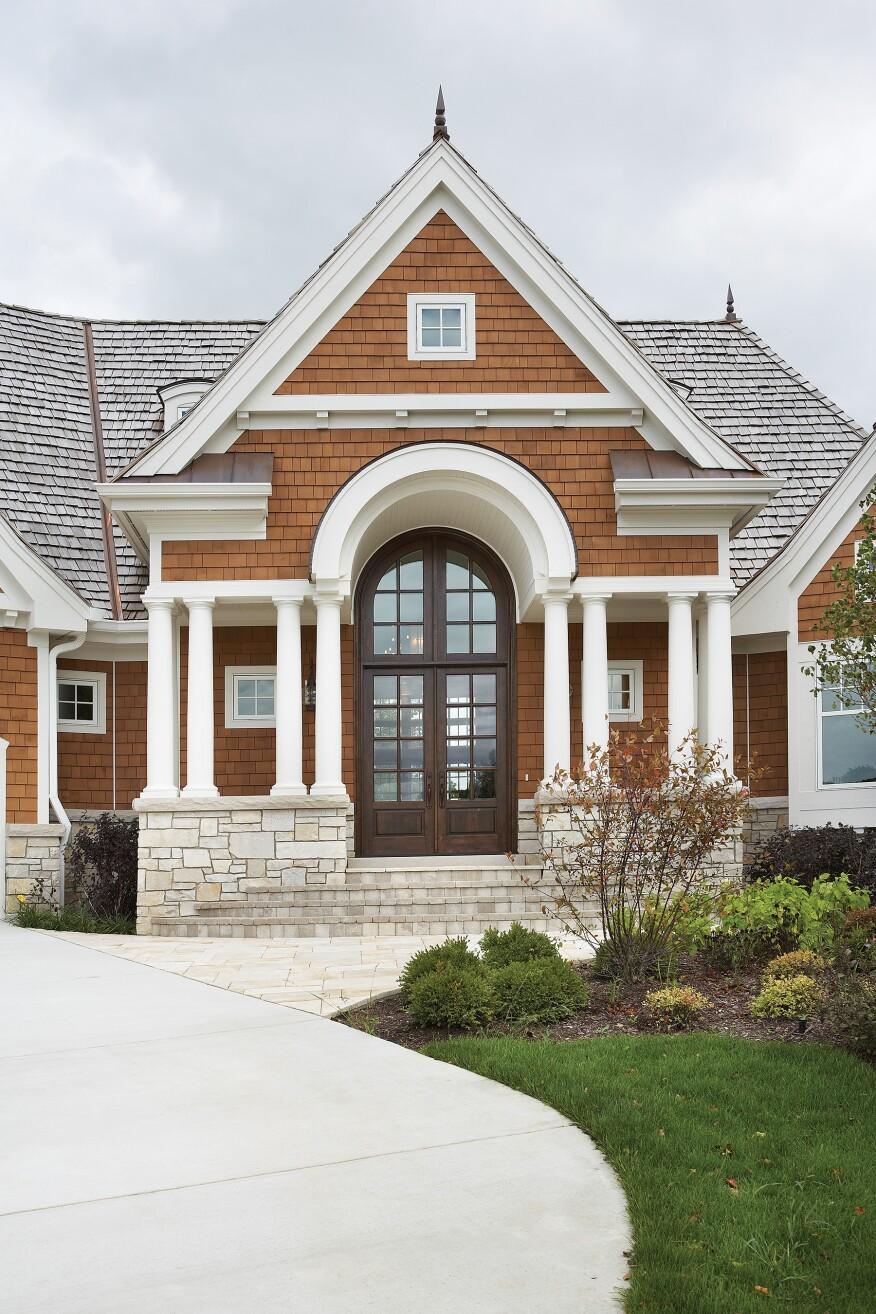 Architect: Builder: CasaBella BuildersCity & State: Lake Geneva, WIDistributor/Dealer/Customer: Ackman Glass & Mirror