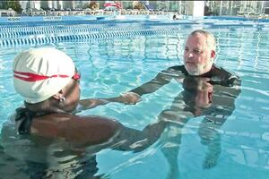 Reaching Out to Fearful Swimmers