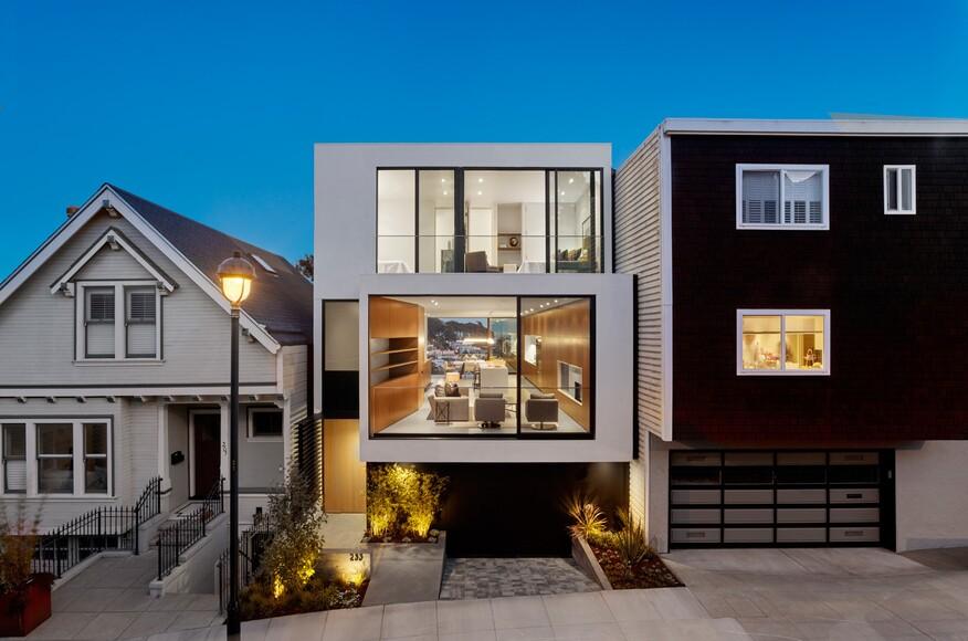 Laidley street residence custom home magazine michael for Custom home builder magazine