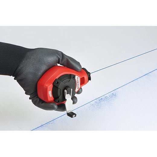 The precision line leaves a small, crisp line as compared to the bold line. It too features a cotton line that doesn't stretch enough to pull into corners.