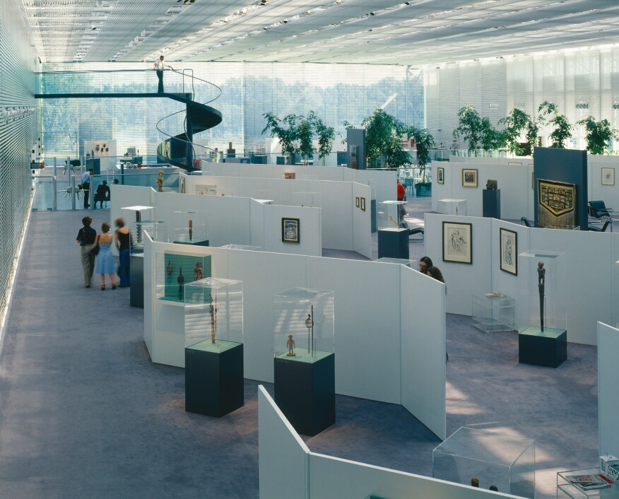Gallery space in original center (1980)