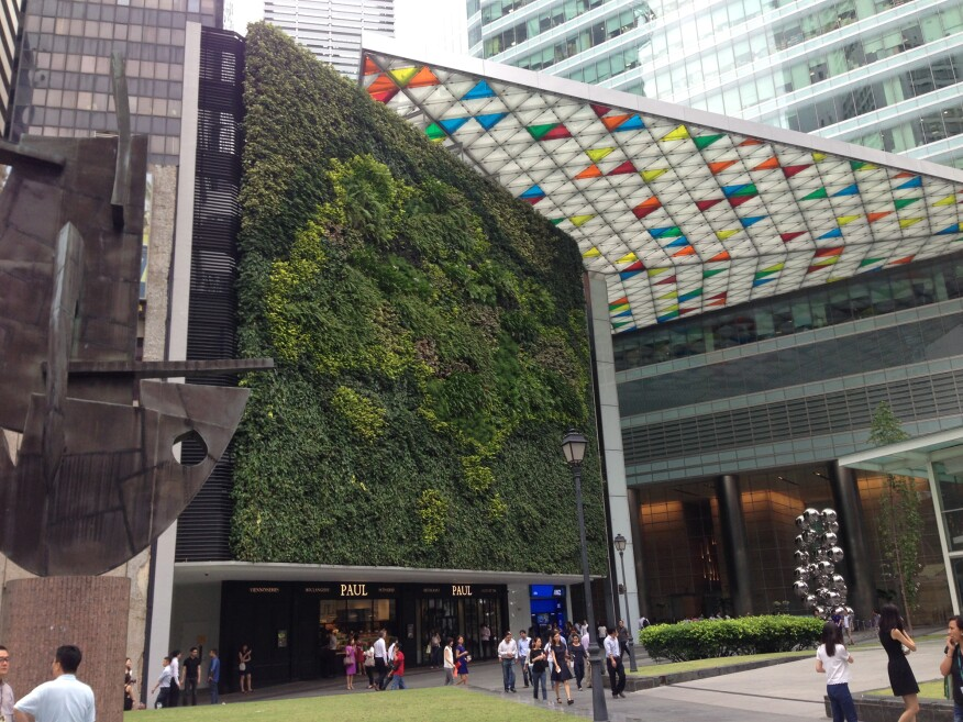A living wall at Pelli Clarke Pelli Architects' and Architects 61 Pte's Green Mark certified 2007 Ocean Financial Centre.